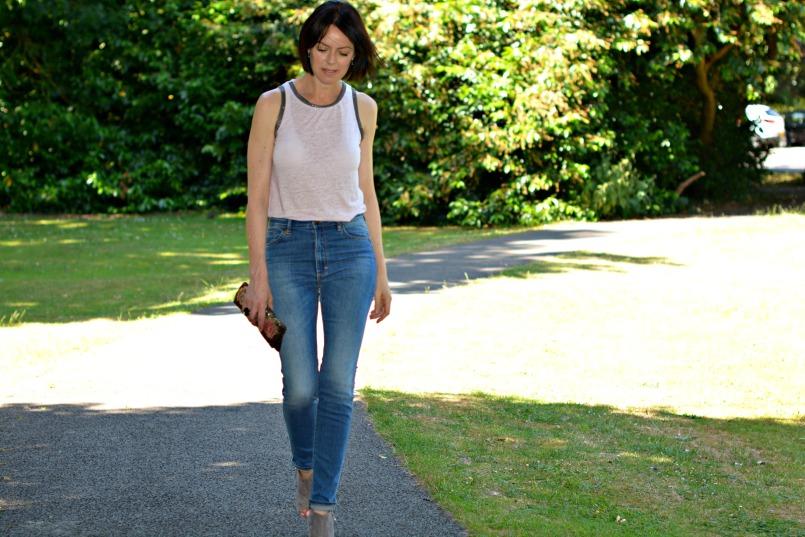 neuw denim skinny mid rise vintage denim jeans maje vest top