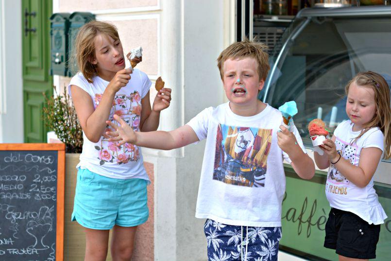 kids eating gelato in cesenatico italy