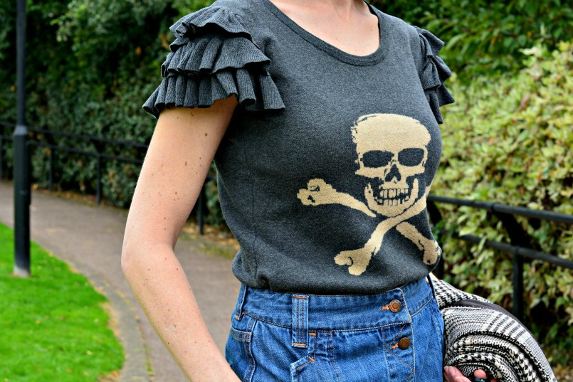Warm Pixie skull knit puff sleeved top