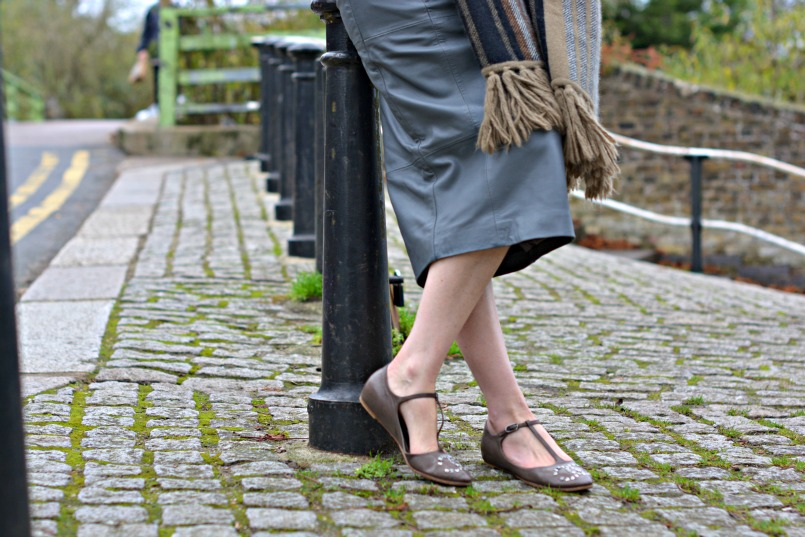 Mulberry angora wool mix scarf   Urbacode London grey leather pencil skirt   Chanel taupe t-bar ballet flats