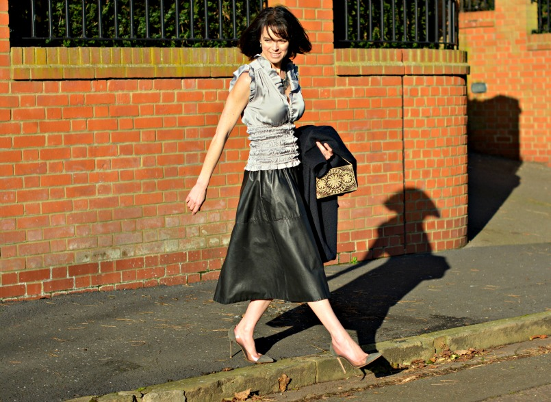 Zara silver ruched sleeveles top | Vintage full black leather midi skirt | Retro silver statement necklace | Maje midnight blue wool coat | Vintage 1930s beaded velv Gianvito Rossi Plexi grey suede pumpset bag |