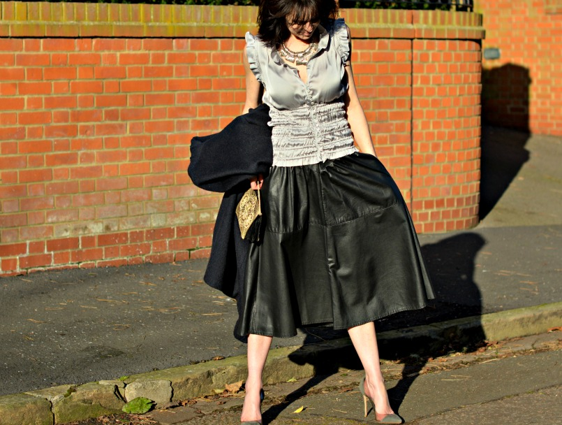 Zara silver ruched sleeveles top | Vintage full black leather midi skirt | Retro silver statement necklace | Maje midnight blue wool coat | 1930s Vintage beaded velvet bag | Gianvito Rossi plexi grey suede pumps
