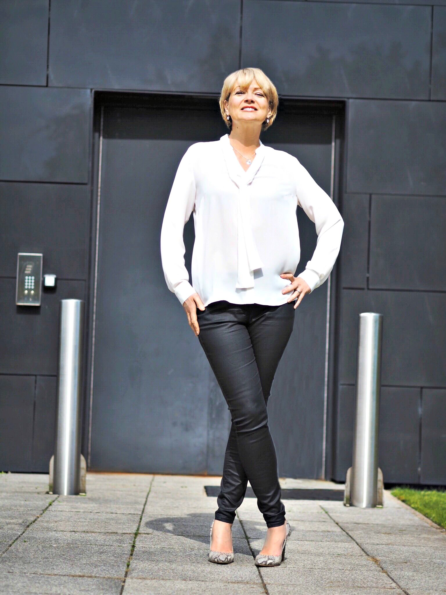 Midlifechic - wearing Marks and Spencer white shirt - The Over 40 Collective White top Challenge
