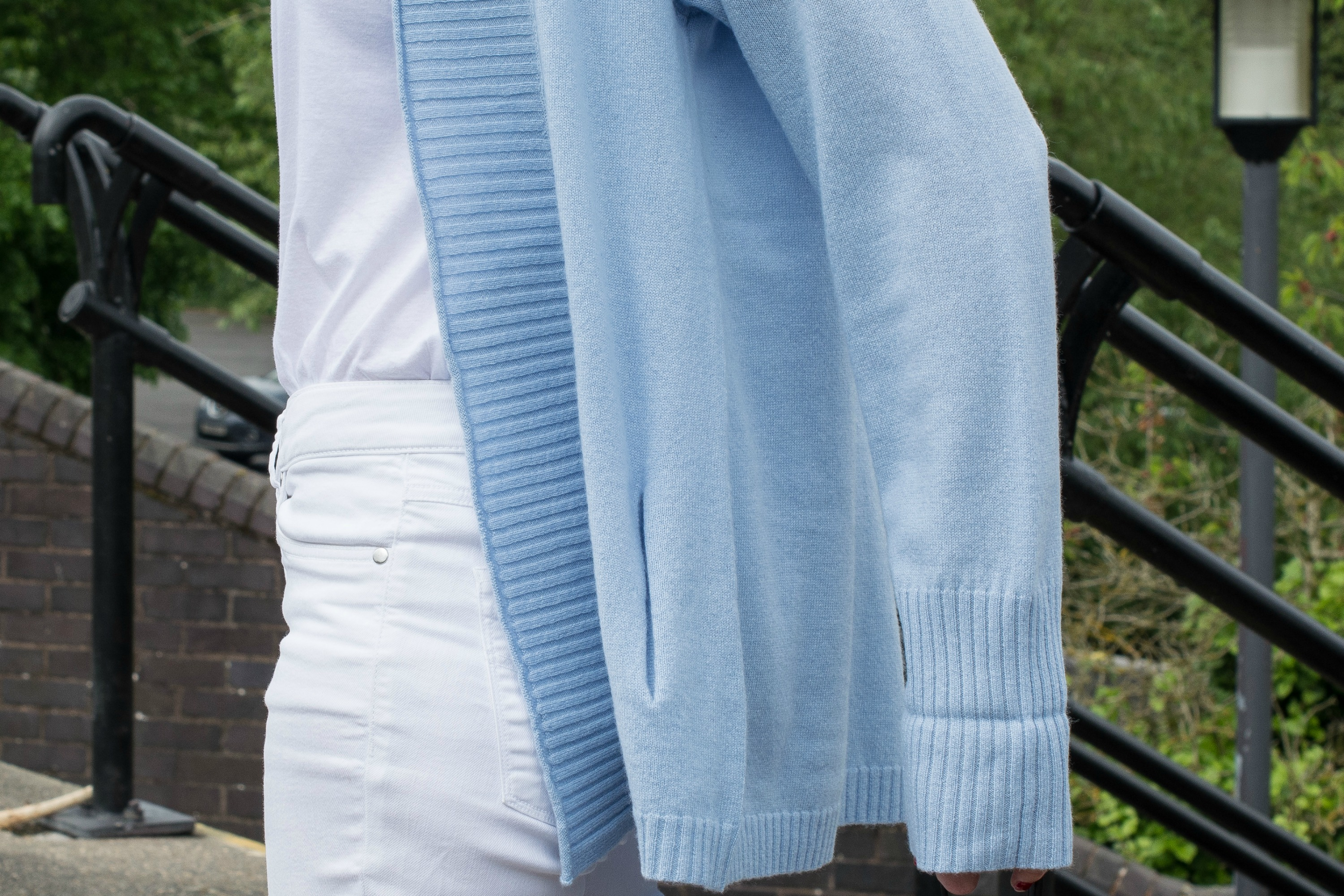 blue cashmere cardigan with white jeans and white t shirt