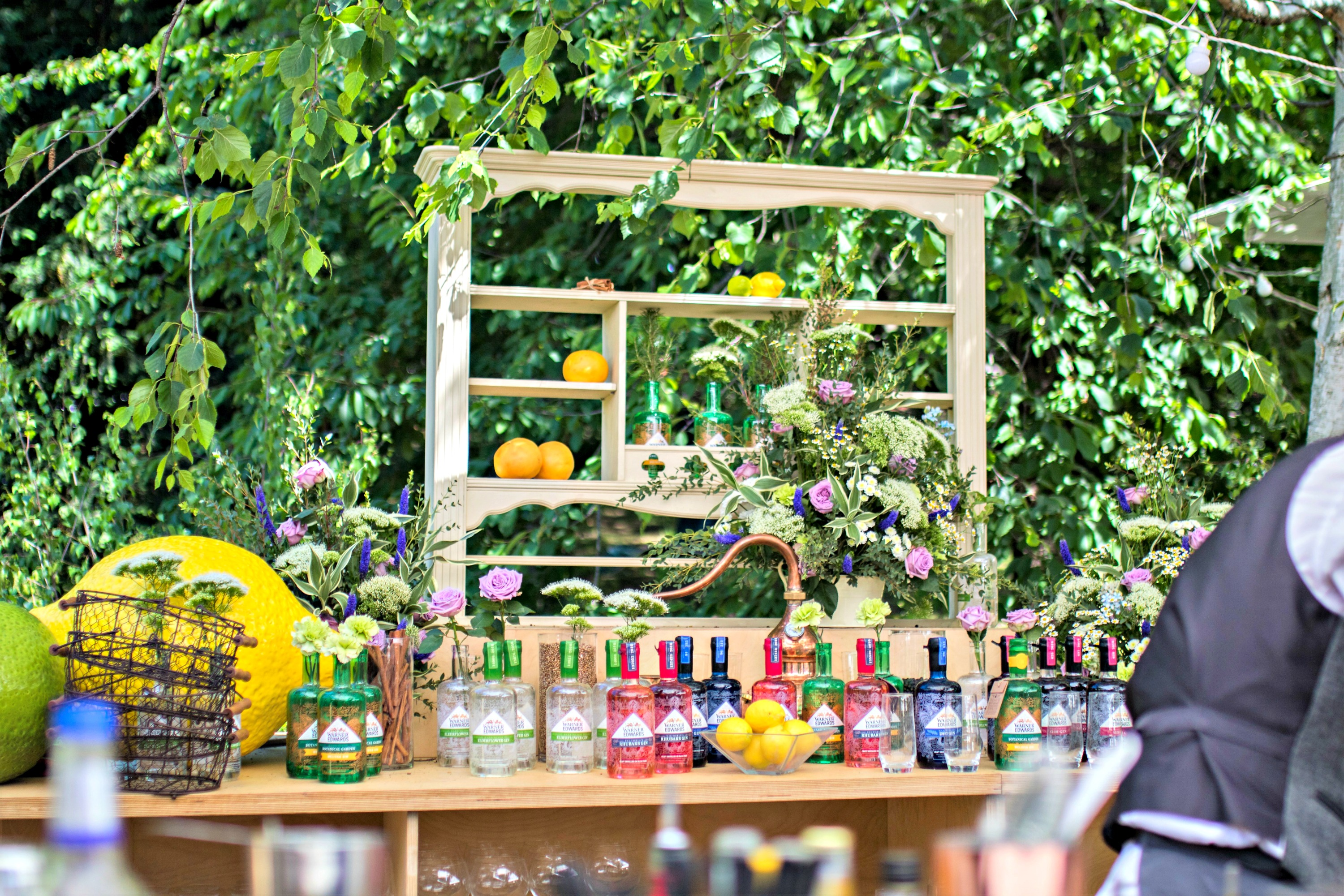 chelsea flower show cocktail bar