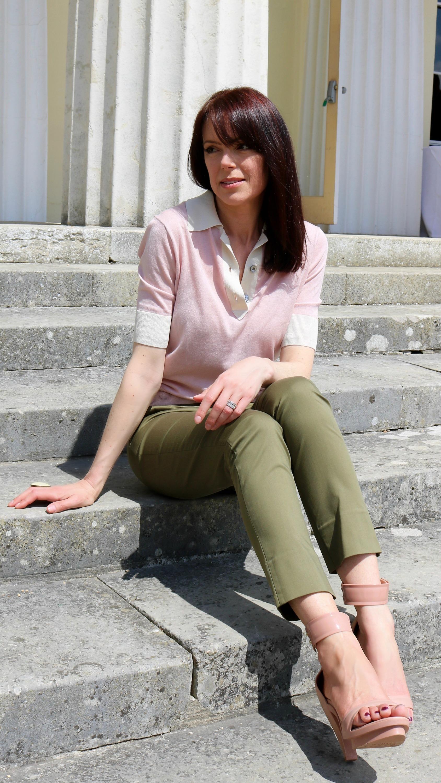 Winser-london-khaki-capri-pants-silk-cotto-preppy-pink-top