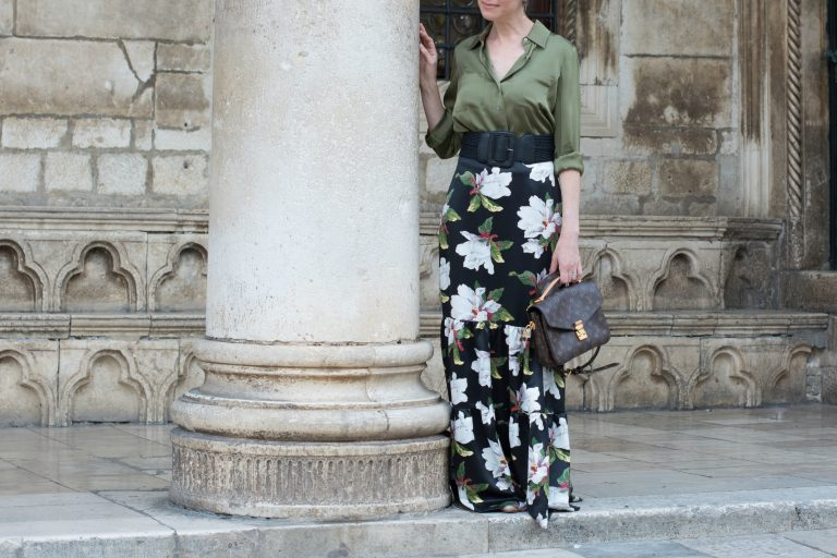 dark-floral-maxi-skirt-gree-silk-shirt-pink-flat-shoes-louis-vuitton-metis