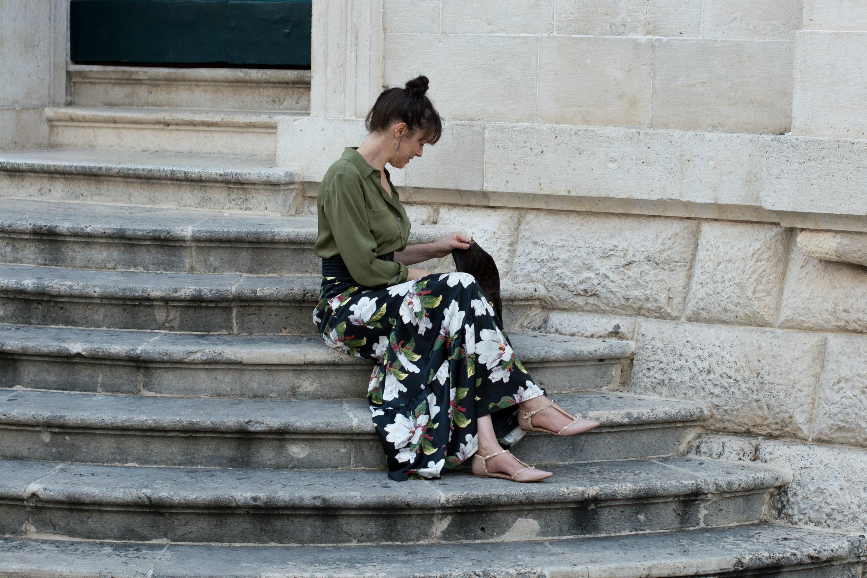 dark-floral-maxi-skirt-gree-silk-shirt-pink-flat-shoes