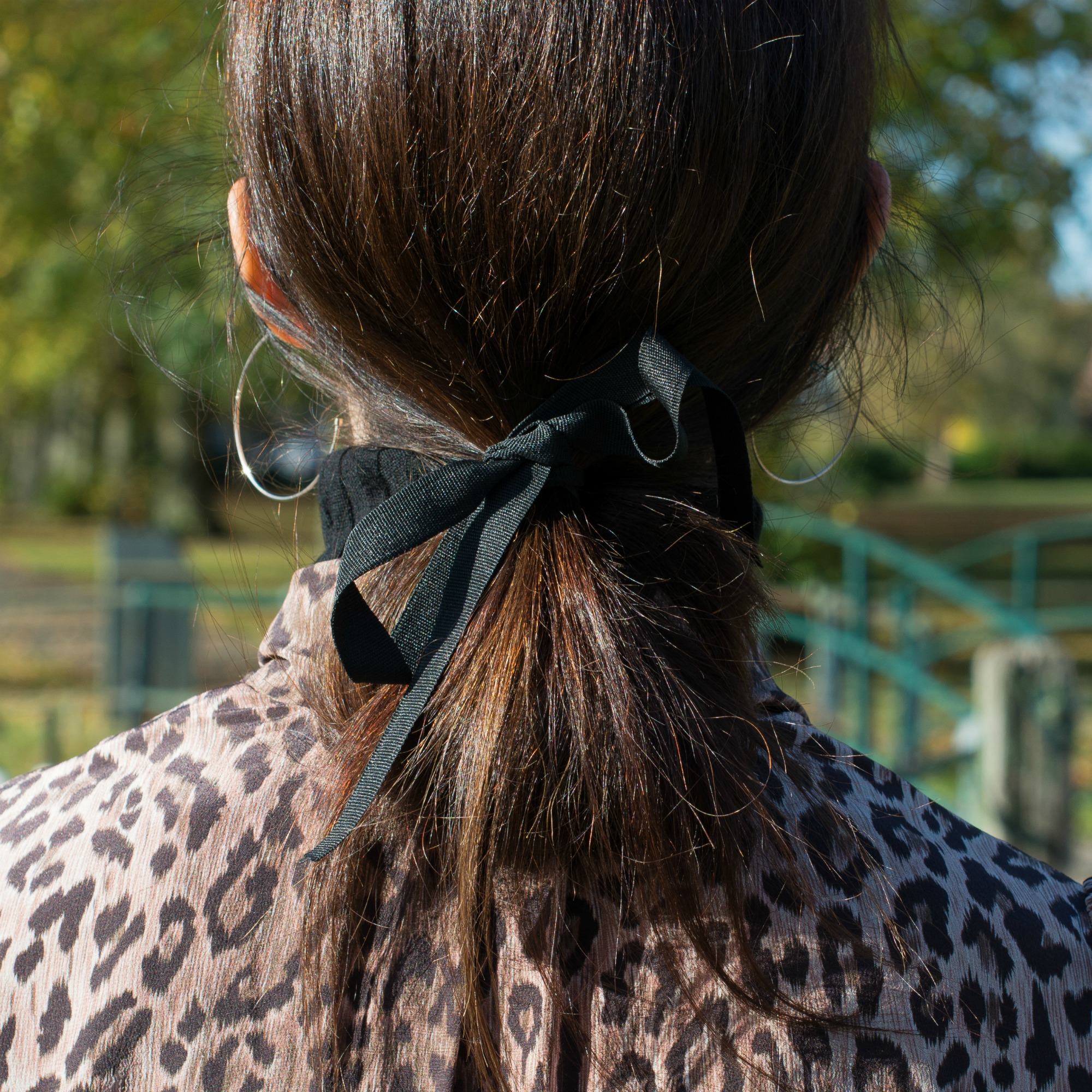 easy-hair-tied-back