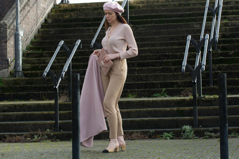 pink-topshop-beret-ganni-cardi-chanel-slingback-shoes