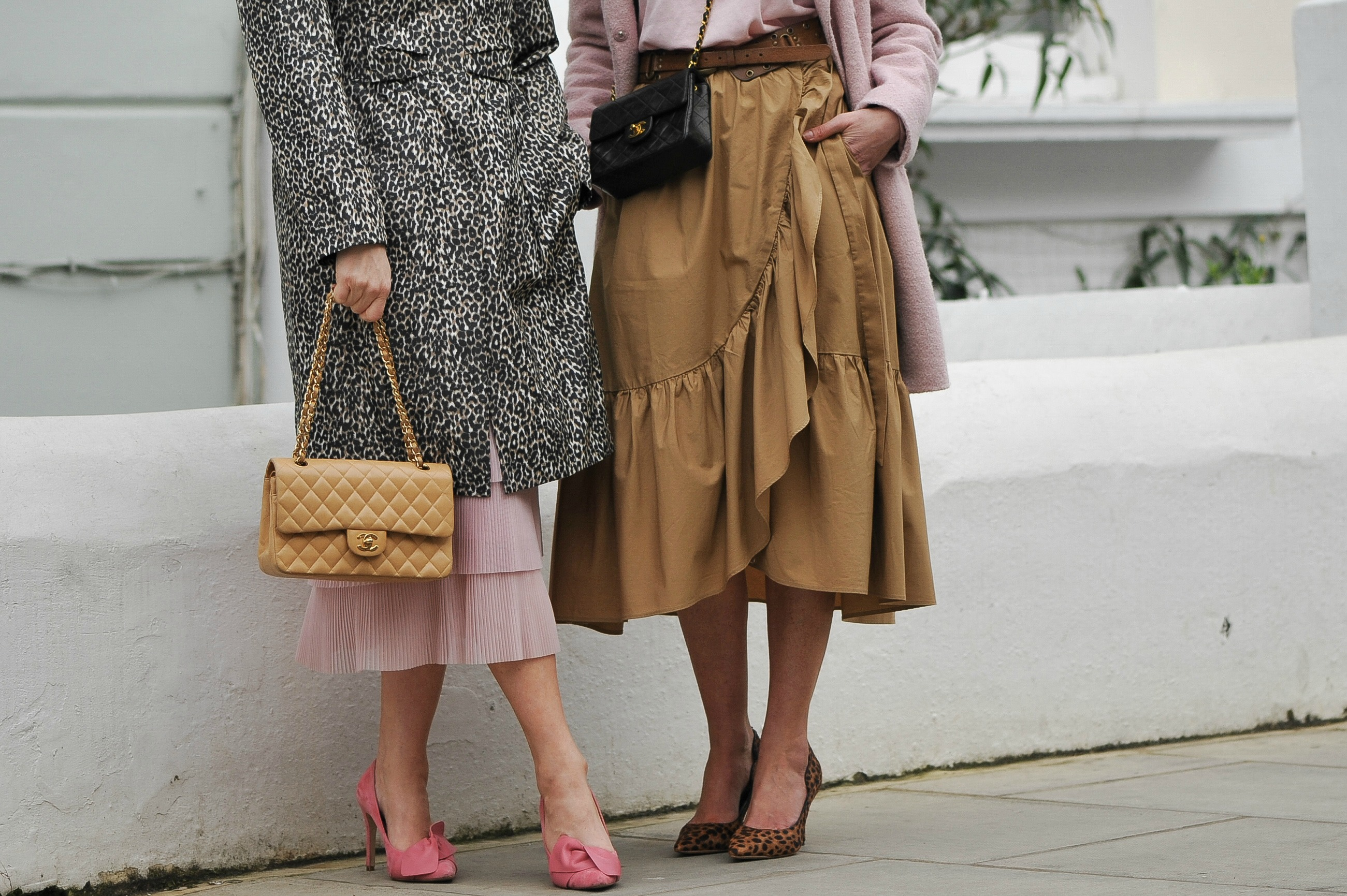 how-to-style-pink-jcrew-tan-ruffle-skirt-leopard