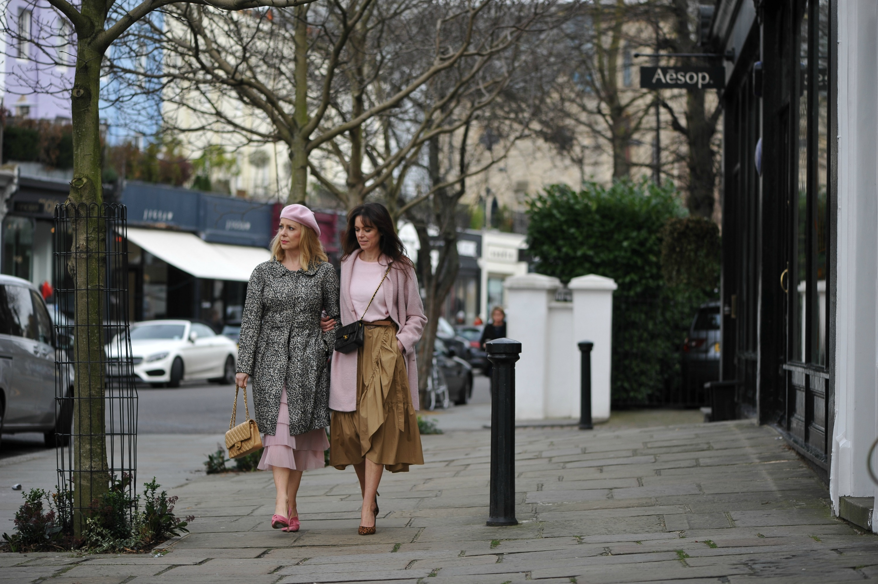 how-to-style-pink-tan-leopard-notting-hill-streets