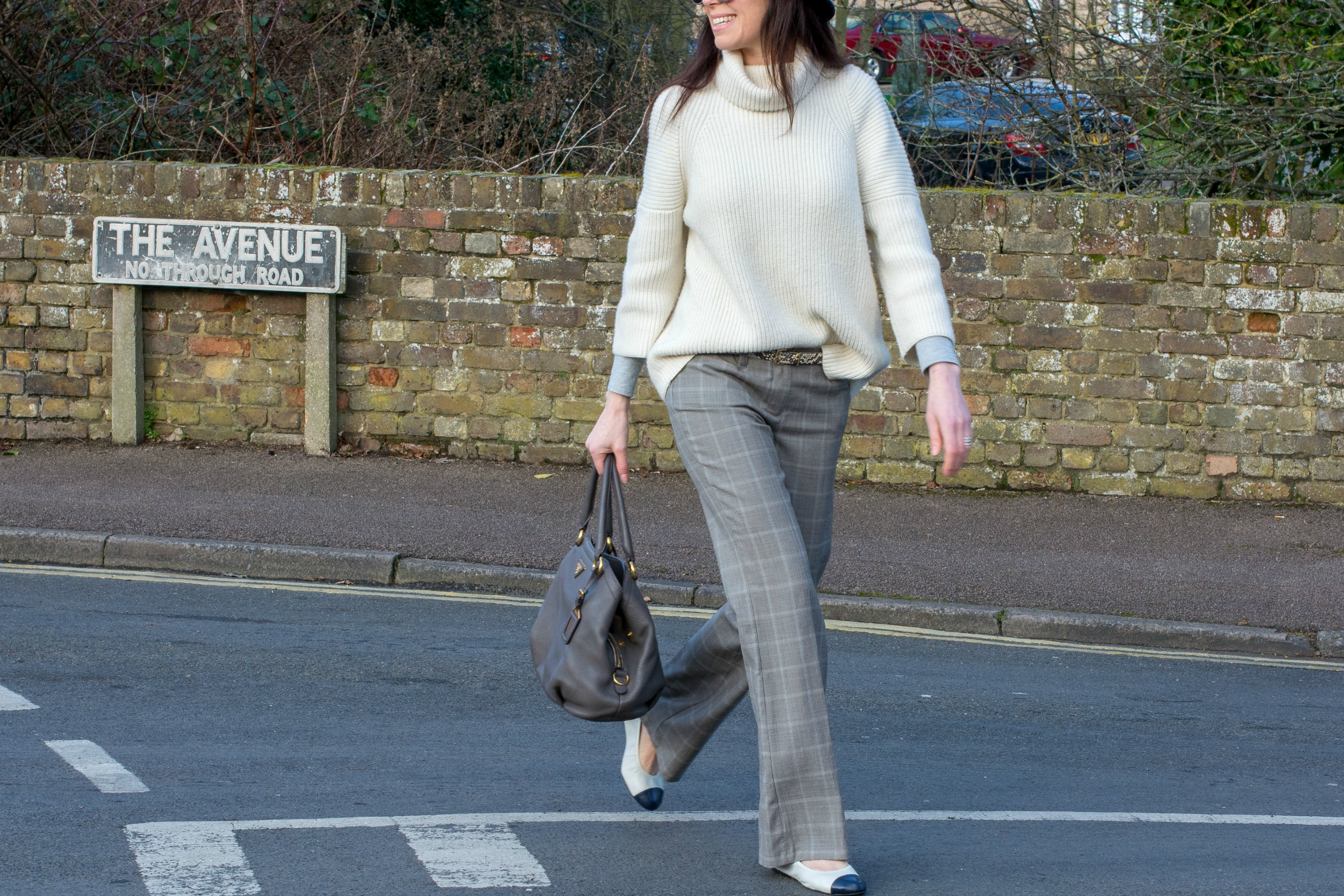 trousers-jumper-trilby-ballet-flats